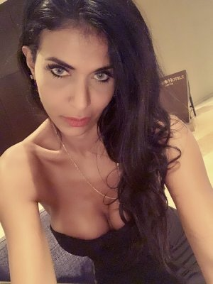 Djanelle adult dating and outcall escort