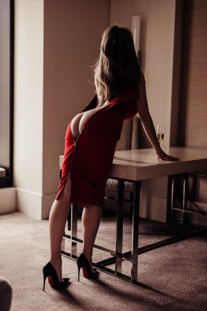 Saaida live escort in Hutchinson
