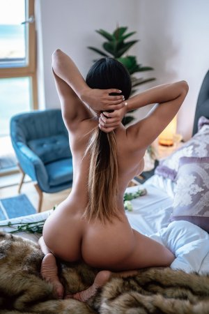 Solene sex dating in Waunakee Wisconsin & outcall escort
