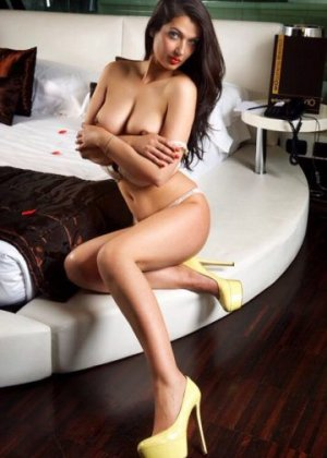Nailys independent escort in Lenexa
